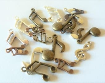 set of 18 music notes
