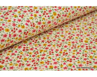 printed cotton Poplin fabric with yellow/red flowers. x1m