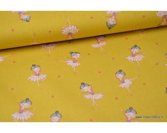 Popeline coton Oeko tex imprimé ballerines fond Moutarde.x1m