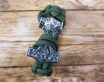 """Paracord bracelet - """"Hammer of Thor"""" with a large hammer"""