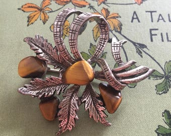 Vintage brooch /Bouquet bow & tigers eye gem stone vintage brooch/ tigers eye/ free uk shipping