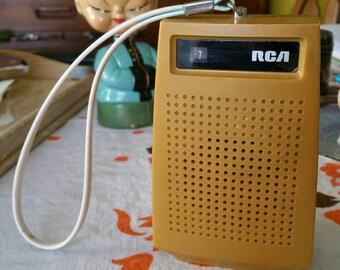 Vintage RCA Transistor AM Radio