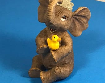 HAMILTON ELEPHANT FIGURINE collection statue sculpture pachyderm animal water trunk vintage 1996 holding rubber duck ducky happy smile
