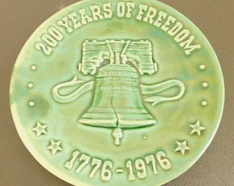 Vintage Bicentennial Celebration Plate, 200 Years of Freedom, 1776, 1976, American Revolution, Commemorative, Declaration of Independence