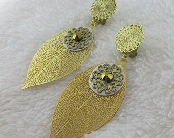 Earring clip Golden beige leaf (made in France)