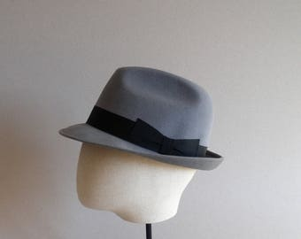 Fashion for men. Vintage fedora. Accesories. Hipster hat. Italian hat. Size 58 cm. Light gray.