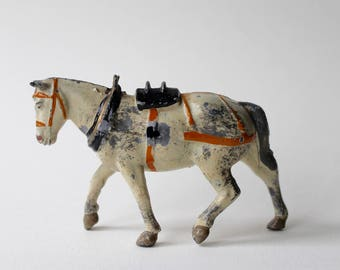 Vintage Britains farm waggon toy lead horse. White Britains hollow cast farm horse. Working toy horse. Britains Model Home Farm Series 5F.
