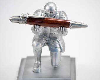 Knight's Pen - Suit of Armor Themed Pen