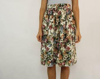 VINTAGE 70s Floral Tapestry Skirt Size S-M 10 12