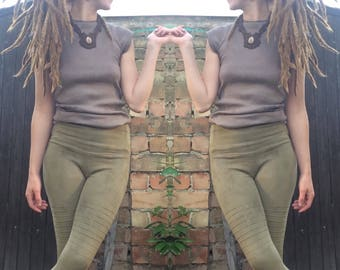 fifth element leggings in mossy green