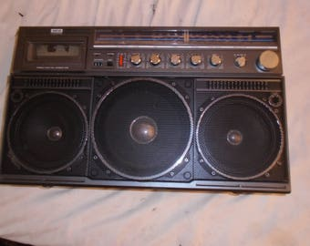 Vintage Magnavo 8443D Boombox Works