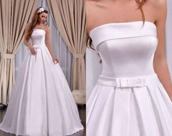 Gorgeous Ball Sleeveless Strapless Satin Wedding Dress