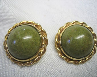 585 Gold Moss Agate Clip on Earrings