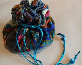 Jewellery pouch with draw string closure - grey floral