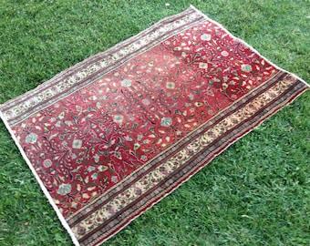 Turkish Rug - Kilim Rug - Area Rug - Handmade Rug - Vintage Rug - Rug - Carpet - Anatolian Rug - Decorative Rug//127 x 91 cm = 4,1 ft x 3 ft