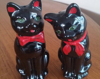 Black Cat Salt and Pepper | Shafford, Made in Japan, Black Cat, Redware Pottery, Kitschy Salt and Pepper Shakers, mid century shakers