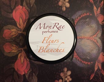 Fleurs Blanches solid perfume