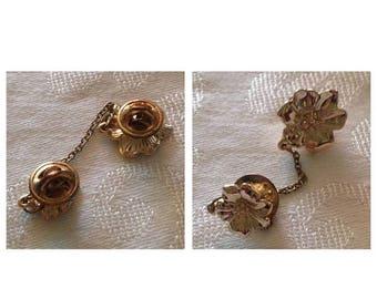 On Sale Vintage Flower Pins