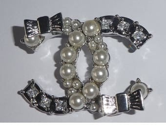 Chanel Entwined CC Brooch. Rhinestones and Faux pearl. Hallmarked. Authentic. Not for UK
