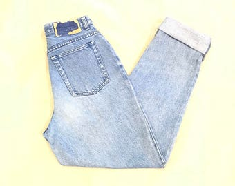 LA BLUES Women's Classic High Waist Light Wash Tapered Denim Mom Jeans Size 8 26X31