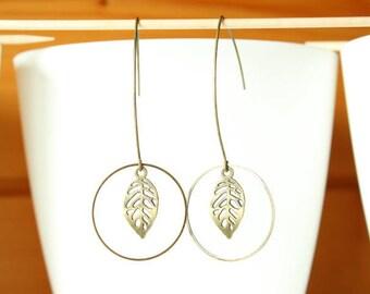 Elegant filigree leaf and bronze earring