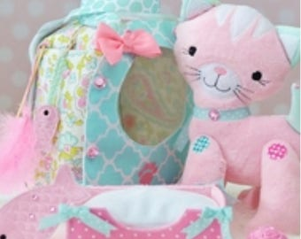 Soft stuffed kitty set