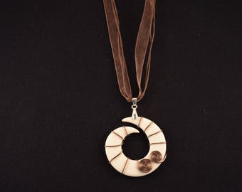 Destash: Brown and white fashion necklace