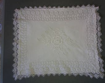 Very pretty pillow/cushion case, white linen with lace edging