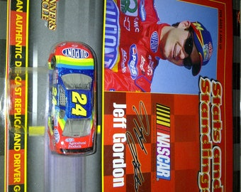Nascar Jeff Gordon #24 Dupont new on card with book