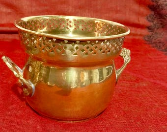 Beautiful Vintage BRASS POT/PLANTER with a band of Reticulated Design around the top rim made in India