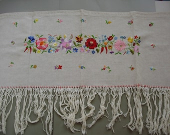 "Vintage,Hungarian embroidered curtain,rideaux,Kalocsa flower pattern Cottage/Shabby Chic, 41""Long"