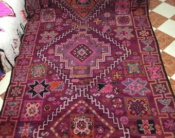 An old Boujaad rug with nice patterns (4.00/2.15m) (157,4 inches X 84,6 inches) (13,1 feet X 7 feet)