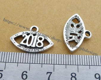 wholesale 100 Pieces /Lot Antique Silver Plated 20mmx18mm Oval Number 2018 charms(# 0443)