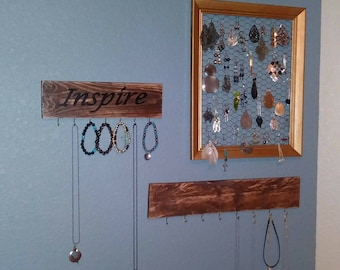 Custom necklace display