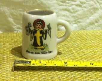 Vintage Munich Kindl Beer Mug jug Dollhouse Miniature, accessoires