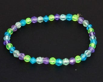 Multi-color faceted elastic beaded bracelet