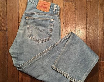 Denim Levi's 501 destroy effect