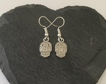 Halloween skull earrings / skull jewellery / Halloween earrings / Halloween jewellery / Halloween gift