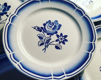 6 entry or dessert plates blue and white. BADONVILLER. Floral pattern. Porcelain 1940.