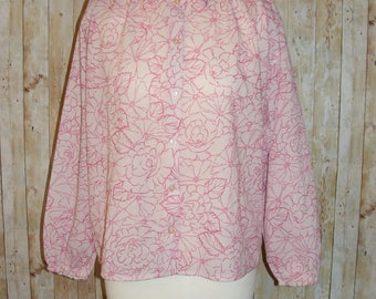 Size 14 vintage 60s loose fit long sleeve blouse pale/hot pink floral (HK88)