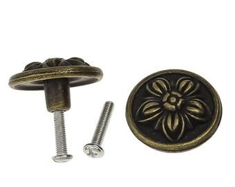 5 Griffe / Knäufe für Schatullen und mehr, 32x18mm, antikmessing