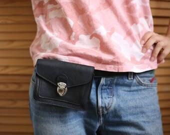 Black leather belt bag / vintage leather waist bag / leather waist pack / belt bag / leather wallet / leather belt pouch / leather wallet