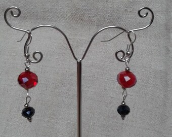 Red and black faceted beads earrings