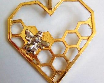 Bee 40x35mm alveoli gold heart charm
