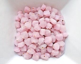 20 beads pink diamond powder 7 x 7 mm glass vintage matte