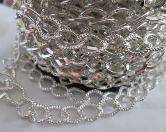 silver chain of 10 x 7 mm sold per meter