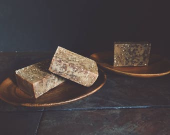 Honey Cleansing Bar with Oats and Goat's Milk