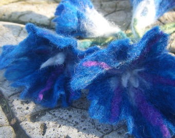 Flowers in wool felt 'blue ipomée' with stem, wool felted with soap
