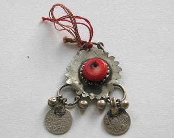 Old Moroccan Berber fibula with silver patterned discs