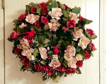 "22"" Cardinals of Roses wreath"
